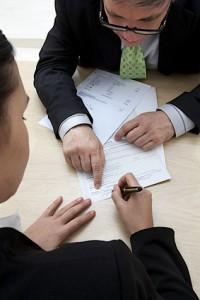 un conseillé en mutuelle fait signer un contrat